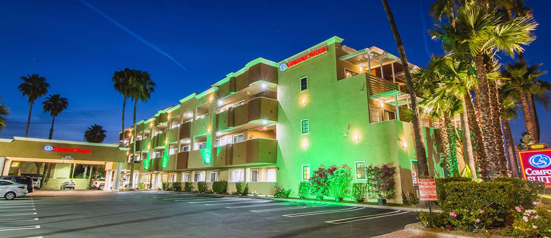 Comfort-Suites-Huntington-Beach-California-Rooms