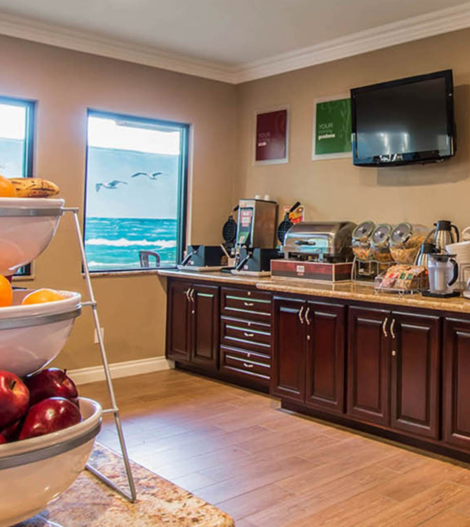 Comfort Suites Huntington Beach - LOWEST RATES at our Top Huntington ...
