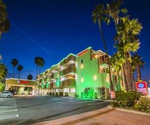 Comfort Inn Huntington Beach - Exterior at Night
