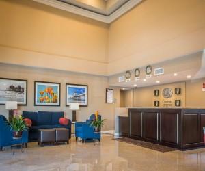 Comfort Inn Huntington Beach - Waiting Area in the Hotel Lobby