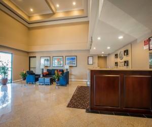 Comfort Inn Huntington Beach - Hotel Lobby in Huntington Beach