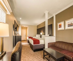Comfort Inn Huntington Beach - Two Queen Suite with Sofabed